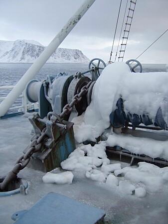 Ising på forskningsskipet «Lance». Mye ising av denne typen kan få skip til å synke. (Foto: Eli Anne Ersdal)