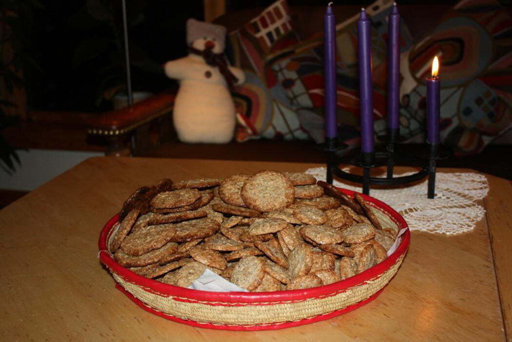– Ofte må jeg lage flere porsjoner fordi kone og barn finner ut av hvor jeg gjemmer kakene mine, men det gjør ikke noe, skriver Ole Bjørn Rekdal om sin vitenskapelige julebakst.