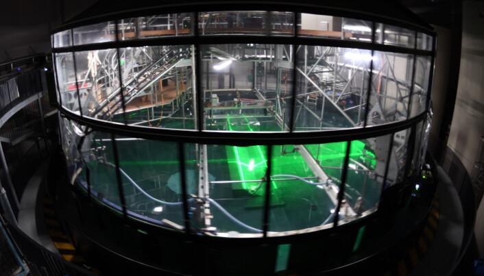 Den roterende tanken i Grenoble er et 13 meter stort svømmebasseng  som blir brukt for å simulere realiteten i kontrollerte omgivelser.