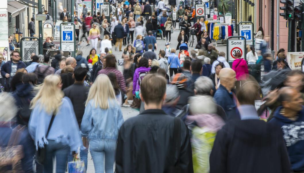 Det er fortsatt befolkningsvekst i Norge. I fjor ble vi 40 000 flere. Det fødes flere enn det dør, og det innvandrer flere enn det utvandrer. Men dette kan se annerledes ut til neste år.