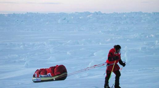 På ski over Nordpolen på drivende is