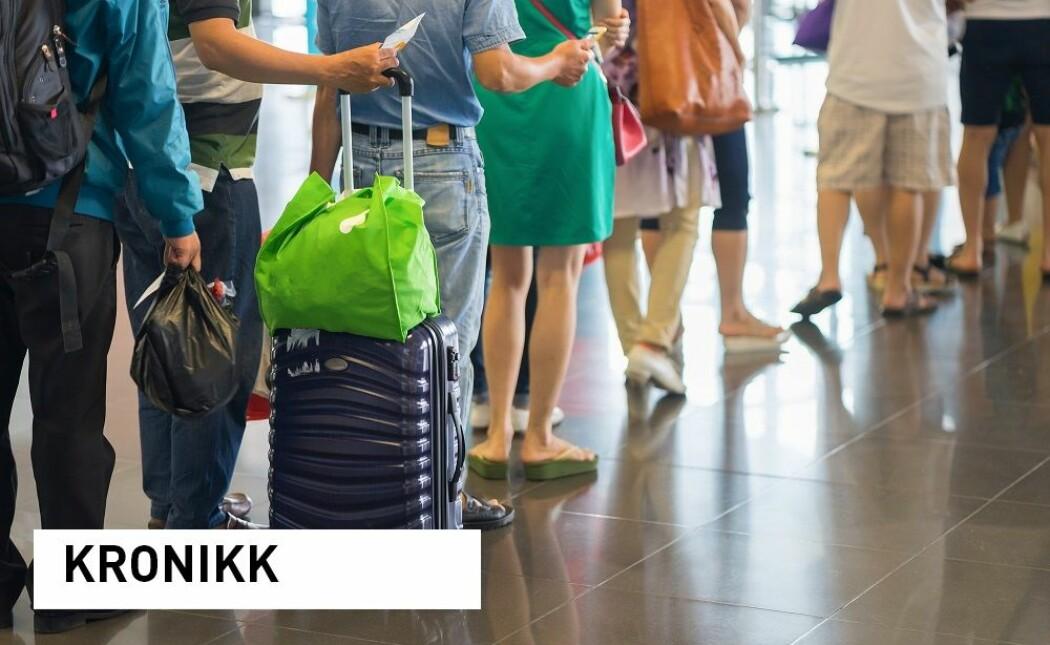 All flytrafikk er skadelig og bør begrenses. Flyplassene krever masse areal og bidrar til utslipp i anleggsperioden og ved bruk. Men for mange sitter det langt inne å droppe storbyferien, skriver Willy Guneriussen.