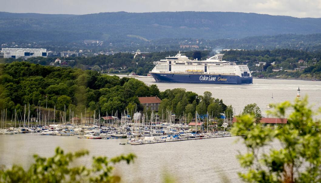 Color Magic seiler ut i Oslofjorden i sommer.