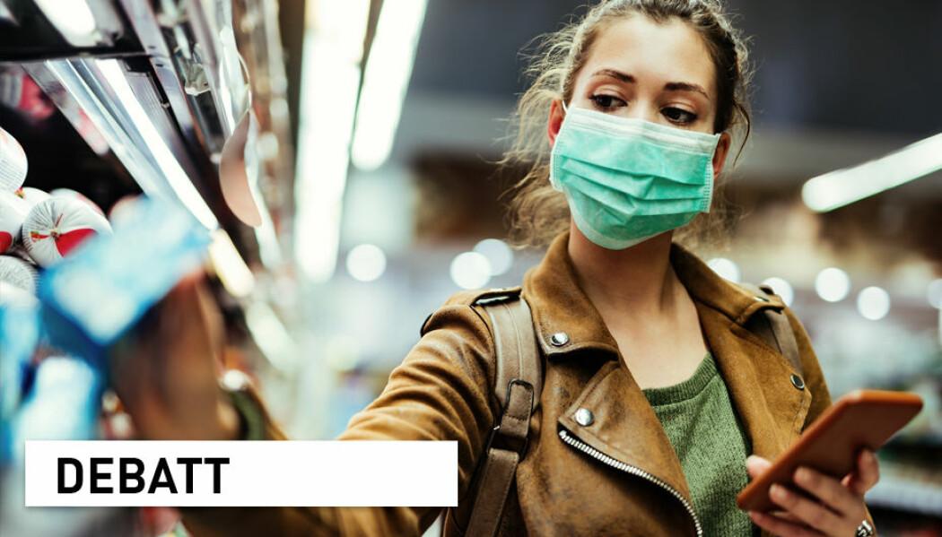 – I samfunnet er kvaliteten på munnbind varierende og til dels usikker, feilbruk hyppig, og etterlevelsen høyst variabel. Dermed blir effekten dårligere og mer sprikende mellom ulike undersøkelser, skriver forskere fra Folkehelseinstituttet.