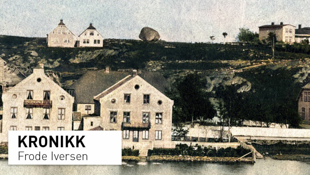 Kongssteinen ble fjernet omkring 1890. Var den staven i navnet Stavanger? Dette fotografiet er fra rundt år 1867, og er forstørret og kunstig farget.