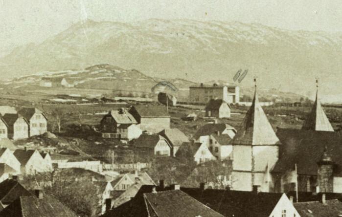 Kongssteinen sett fra Valbergståret litt før 1867.