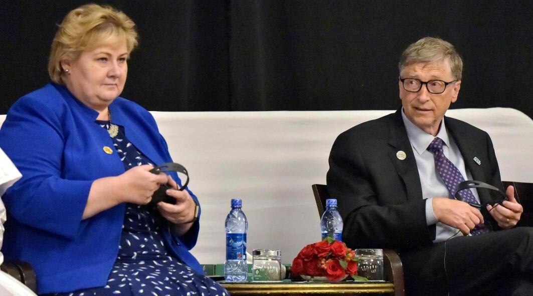 Står Bill Gates bak pandemien og er Erna Solberg hans lydige marionett? Her er de to sammen på et møte om helseinvesteringer i Afrika i 2019.