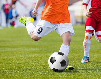 Å dyrke frem toppspillere i 9-10-årsalderen bryter med idrettens barnebestemmelser