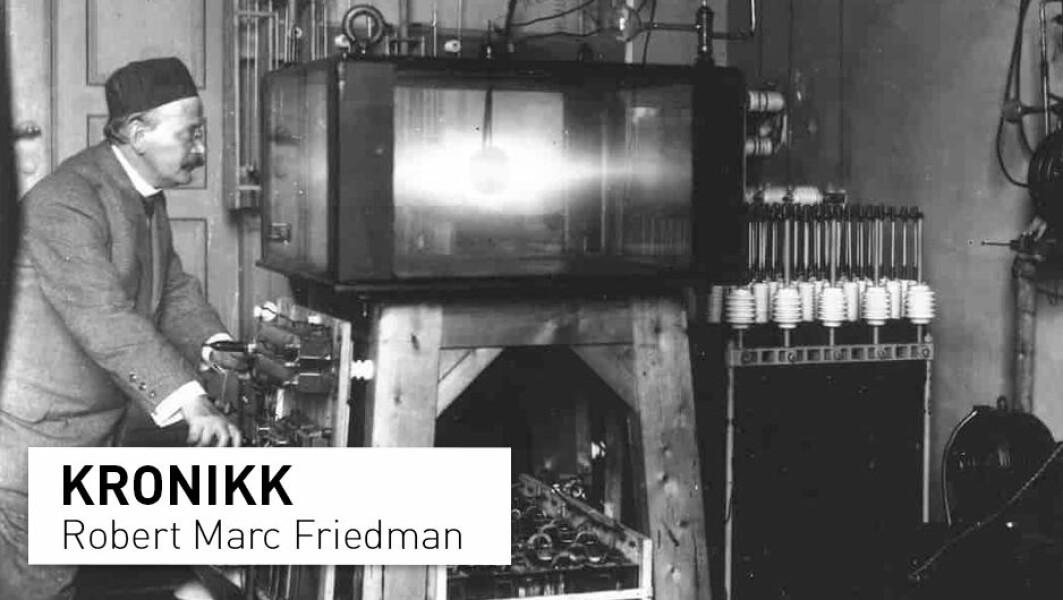 Å påstå at Kristian Birkeland kom med «løsningen» til nordlysets gåte er tvilsomt, om ikke direkte feil, skriver Robert Marc Friedman. Han stiller seg kritisk til at Birkeland hylles som en av Norges største forskere. Her ser vi Kristian Birkeland i sitt laboratorium.