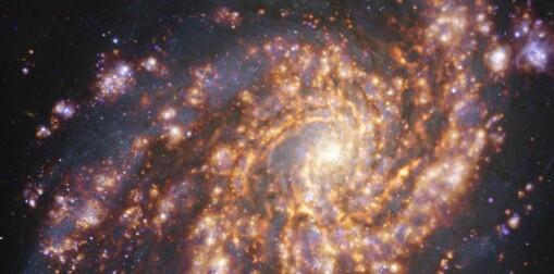 Spektakulære bilder viser hvor det dannes nye stjerner i galakser
