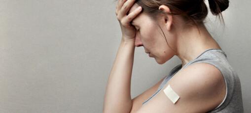 Hvorfor får man vondt i armen og hvorfor blir noen slitne av å bli vaksinert?